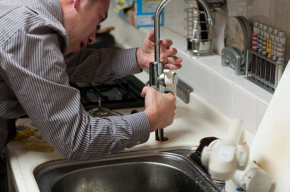 réparer les fuites de plomberie